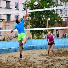Любителей волейбола приглашают на турнир по пляжному миксту