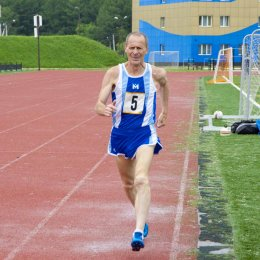 Южносахалинские пенсионеры приняли участие в забегах на 1000 и 1500 метров