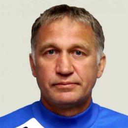 На 50-м году жизни скончался один из самых известных островных футболистов, тренер-преподаватель ОГАУ «ФК «Сахалин» Анатолий Петрович Смоляк