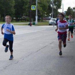 В Аниве пробежали марафон
