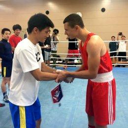 Матчевая встреча островных и японских боксеров не выявила победителя