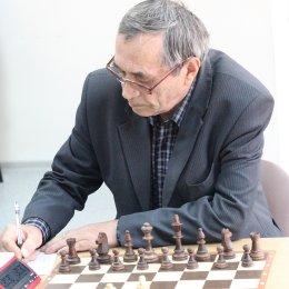 Олег Верещагин в четвертый раз выиграл чемпионат области по шахматам