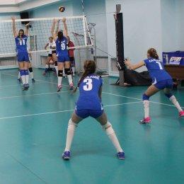 Чемпионат области по волейболу выиграла сборная Корсакова