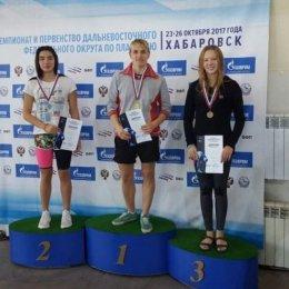 Островные пловцы завоевали свыше 50 медалей на чемпионате и первенстве ДФО