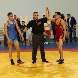 Участниками регионального турнира по вольной борьбе в пгт. Ноглики стали спортсмены из десяти населенных пунктов острова