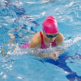 Анастасия Пилипчук заняла третье место на соревнованиях по плаванию во Владивостоке