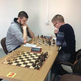 В «баттле» лидеров Роман Янченко нанес поражение Олегу Рычкову