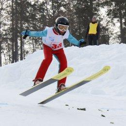 Участниками состязаний по прыжкам на лыжах с трамплина стали около 100 спортсменов