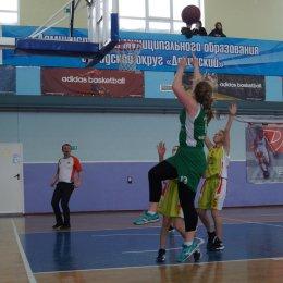 Команды из Невельска и Долинска завоевали путевки на областной финал чемпионата ШБЛ «КЭС-Баскет»