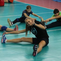 Волейбольная команда «Сахалин» провела мастер-класс для юных спортсменов
