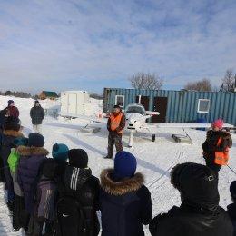 Воспитанники ОГАУ «ФК «Сахалин» посетили аэродром «Пушистый»