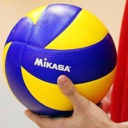 Мэр Смирных вручил призы лучшим волейболистам