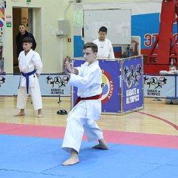 42 золотые медали привезла сборная Сахалинской области по каратэ с выездных соревнований