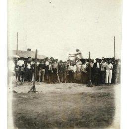 Волейбол проходит диким способом, или спорт в Охе в 1935 году
