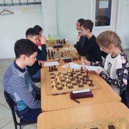 Шахматисты лицея № 2 возглавили турнирную таблицу областного этапа «Белой ладьи»