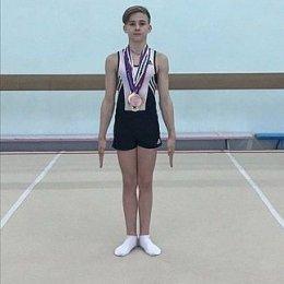 Илья Федоркин стал победителем первенства ДФО по спортивной гимнастике
