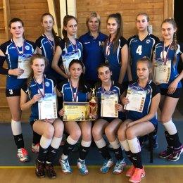 Команда ВЦ «Сахалин» заняла первое место на дальневосточном турнире по волейболу в Комсомольске-на-Амуре