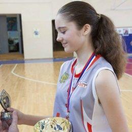 В первенстве Южно-Сахалинска по баскетболу победили команды СОШ № 6