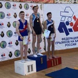 Островные акробаты отличились на чемпионате и первенстве ДФО