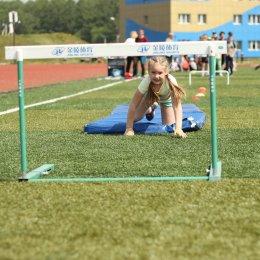 Участниками «Веселых стартов» в спортивно-оздоровительном лагере СШ ЛВС стали 11 команд
