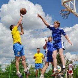 Турнир по стритболу в Корсакове выиграли «Чемпионы»