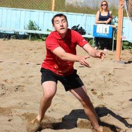В Южно-Сахалинске прошел первый этап чемпионата области по пляжному волейболу