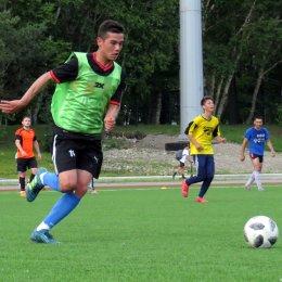 Три команды идут без потерь в региональном турнире по футболу 8*8