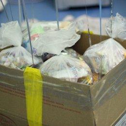 Смена в лагере «Олимпиец» завершилась поисками ящиков с подарками и лотереей