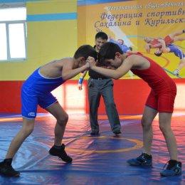 В Аниве прошел V открытый Всероссийский турнир по вольной борьбе в честь заслуженного тренера России Николая Карпенко