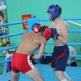 Участниками областного турнира по кикбоксингу стали спортсмены из четырех районов острова