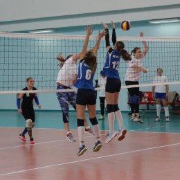 В Южно-Сахалинске стартовал чемпионат Сахалинской области по волейболу среди женских команд