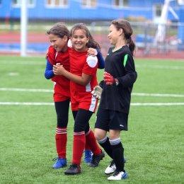 Футбольная «Битва полов» завершилась победой «Сахалина-2011»