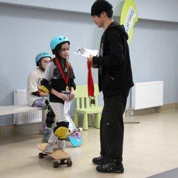 Шахматистки Таисия Дворцова и Вероника Осташко завоевали медали первенства области по скейтбордингу