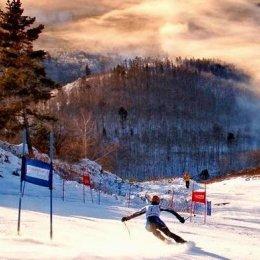 Сахалинские горнолыжники принимают участие во всероссийских соревнованиях