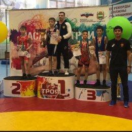 Сахалинские борцы завоевали дюжину медалей на турнире в Благовещенске