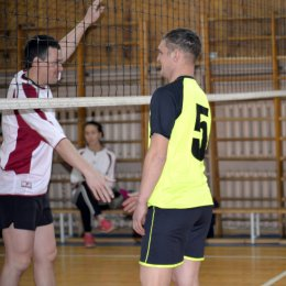 Пять команд отметили Всероссийский олимпийский день волейбольным турниром