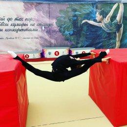 Воспитанницы ОГАУ «СШ «Сахалин» разнообразили тренировочный процесс гимнастическими кубами