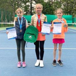 Победители теннисного турнира были определены в нескольких возрастных группах