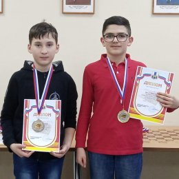 Победителей первенства области по шахматам определили в пяти возрастных группах