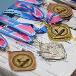Команда островного правительства выиграла турнир по бадминтону