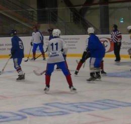 Сборная Охи выиграла Кубок Победы по мини-хоккею с мячом