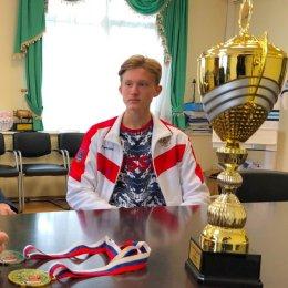 Министр спорта Сахалинской области встретился с чемпионом Европы по кендо