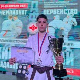 Сахалинцы завоевали две медали чемпионата и первенства ДФО по киокусинкай