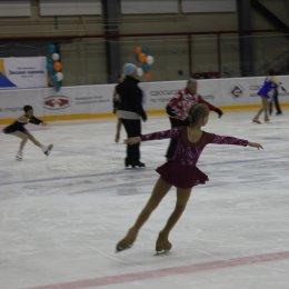 Сахалинцев приглашают провести воскресный день на льду «Кристалла»