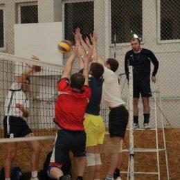 «Кубок залива Терпения» завоевали волейболисты из Корсакова