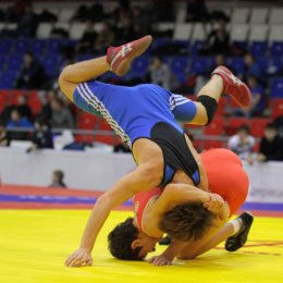 Андрей Тефанов и Рустам Дудлин завоевали путевки на первенство России по греко-римской борьбе