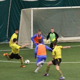 Юные футболисты оспаривают победу в «Зимней лиге»