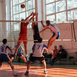 Волейболисты из Корсакова стали победителями «Кубка ректора СахГУ»