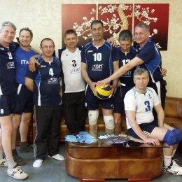 Сахалинские ветераны волейбола заняли третье место на дальневосточном турнире