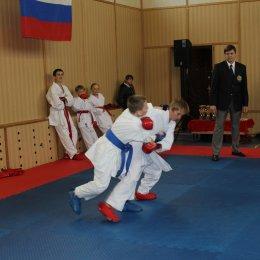 В командном первенстве Южно-Курильского района по каратэ приняли участие свыше 30 юных спортсменов